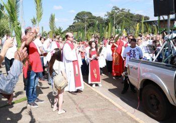 Paróquia Santa Terezinha celebra o Domingo de Ramos