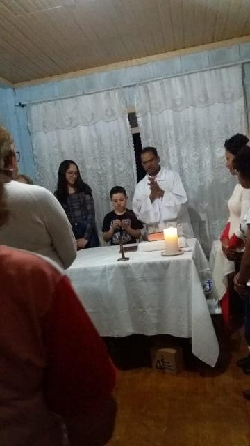 Comunidade Santa Margarida celebra Santa Missa nas casas