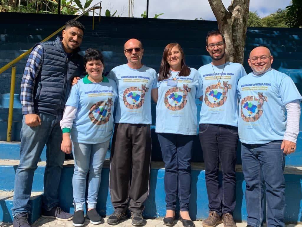 Missionários da Paróquia Santa Terezinha participam do Congresso de Leigas e Leigos Verbitas comprometidos na Missão em Santa Isabel-ES