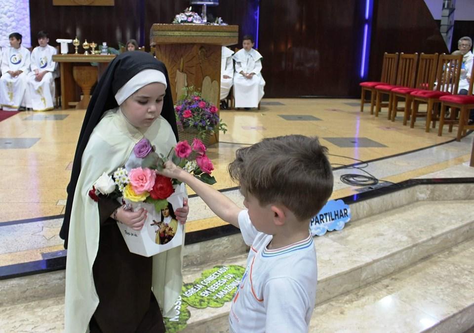 Gratidão foi a palavra de ordem no último dia da Novena em honra a Santa Terezinha